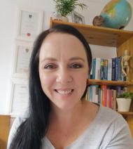 Kim  Schloms-Madlener - Registered Accredited Member